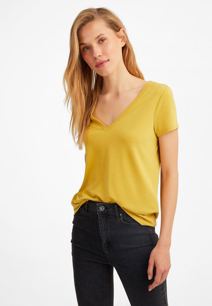 Sarı V Yaka Yumuşak Dokulu Tişört