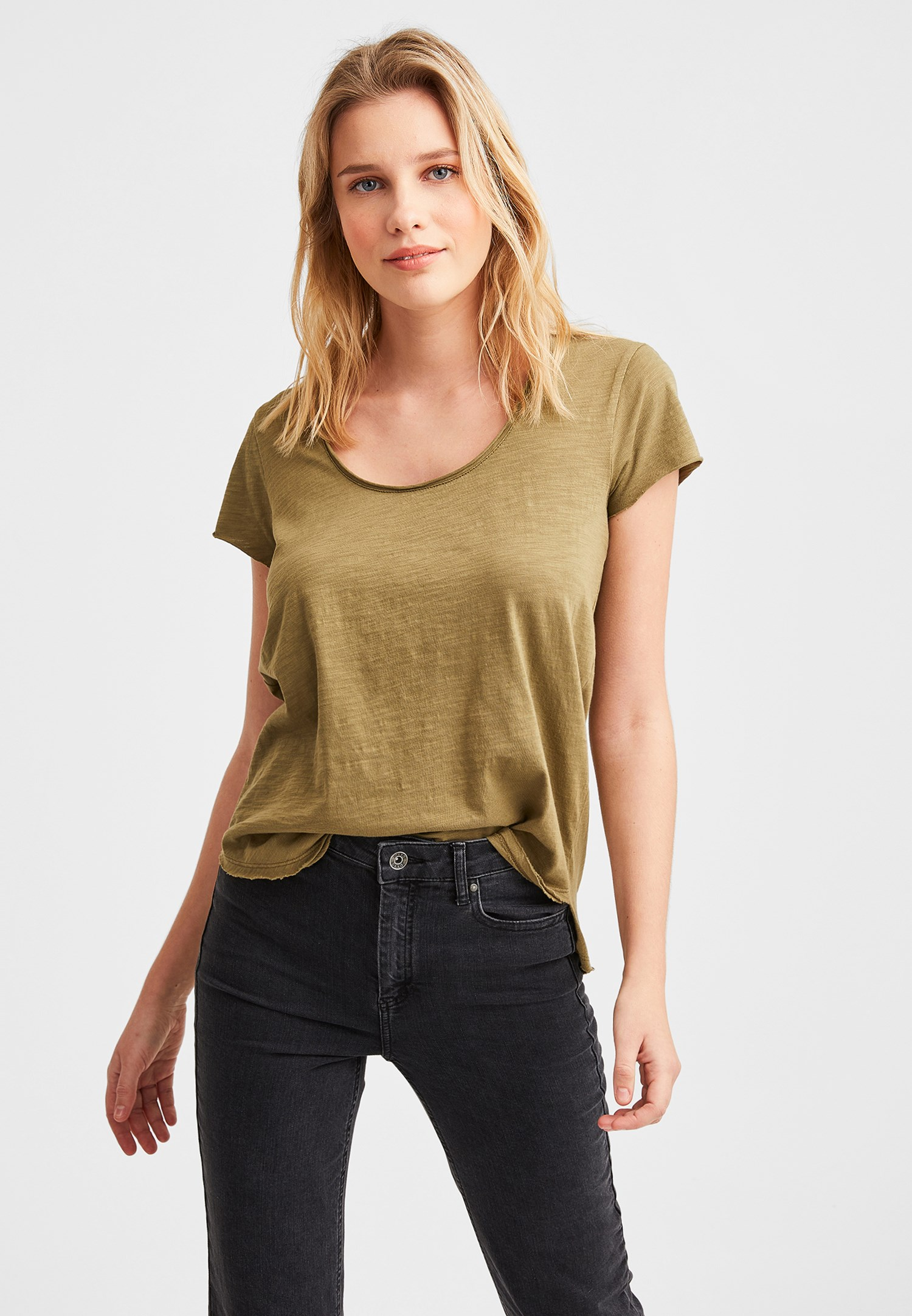 Bayan Yeşil Kısa Kollu U Yaka Tişört