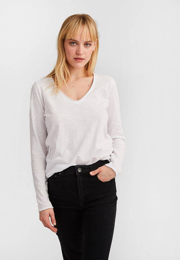 White Cotton Basic with V Neck
