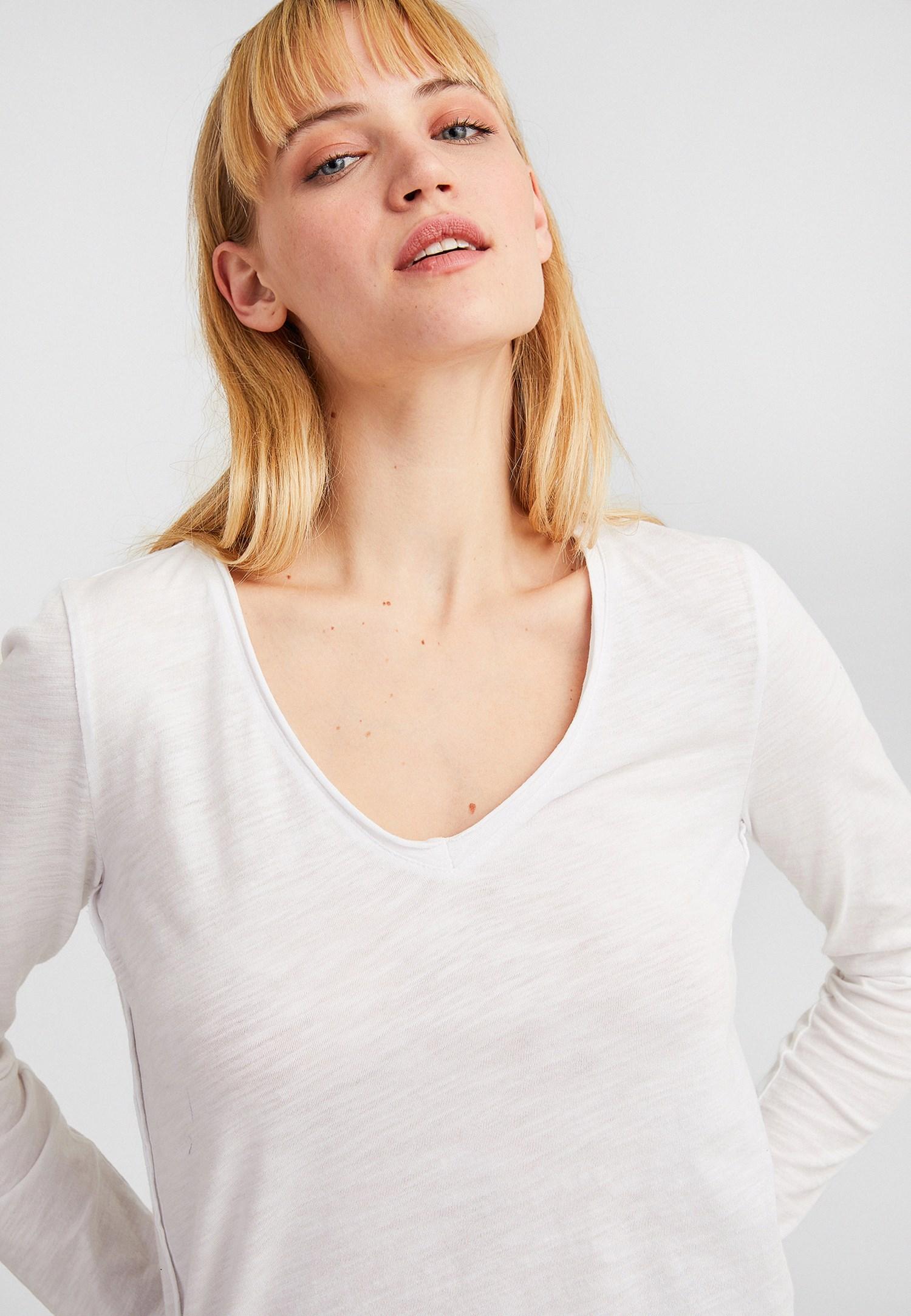 Bayan Beyaz Pamuklu V Yaka Uzun Kollu