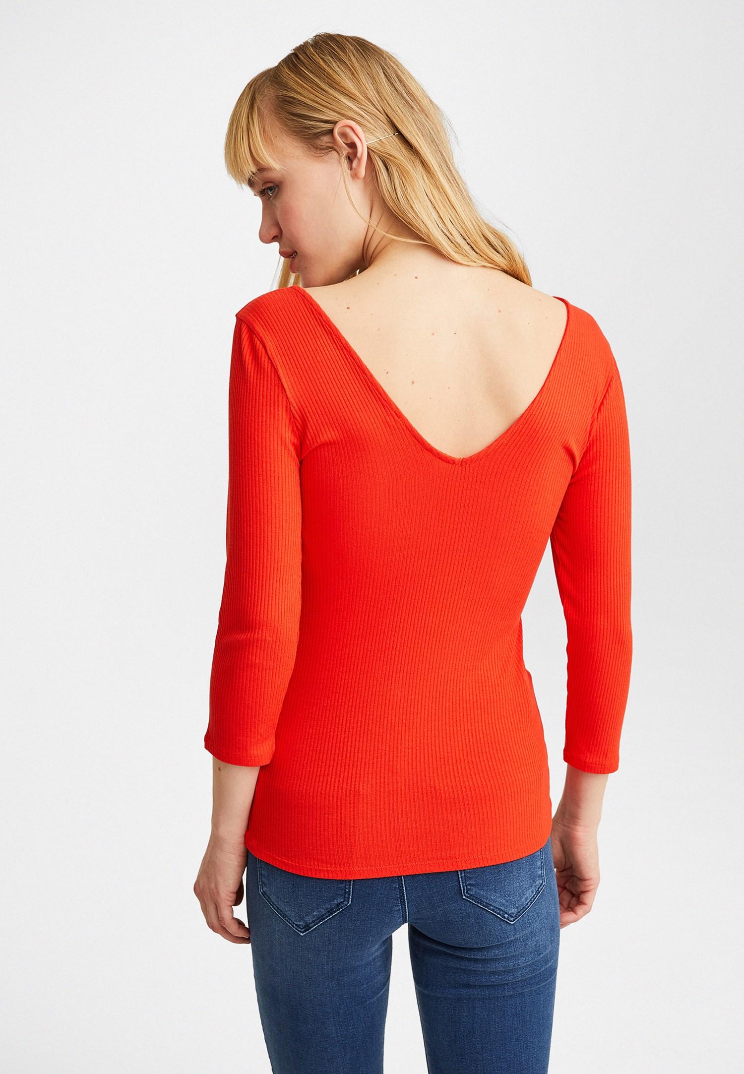 Bayan Kırmızı V Yaka Yarım Kollu Bluz