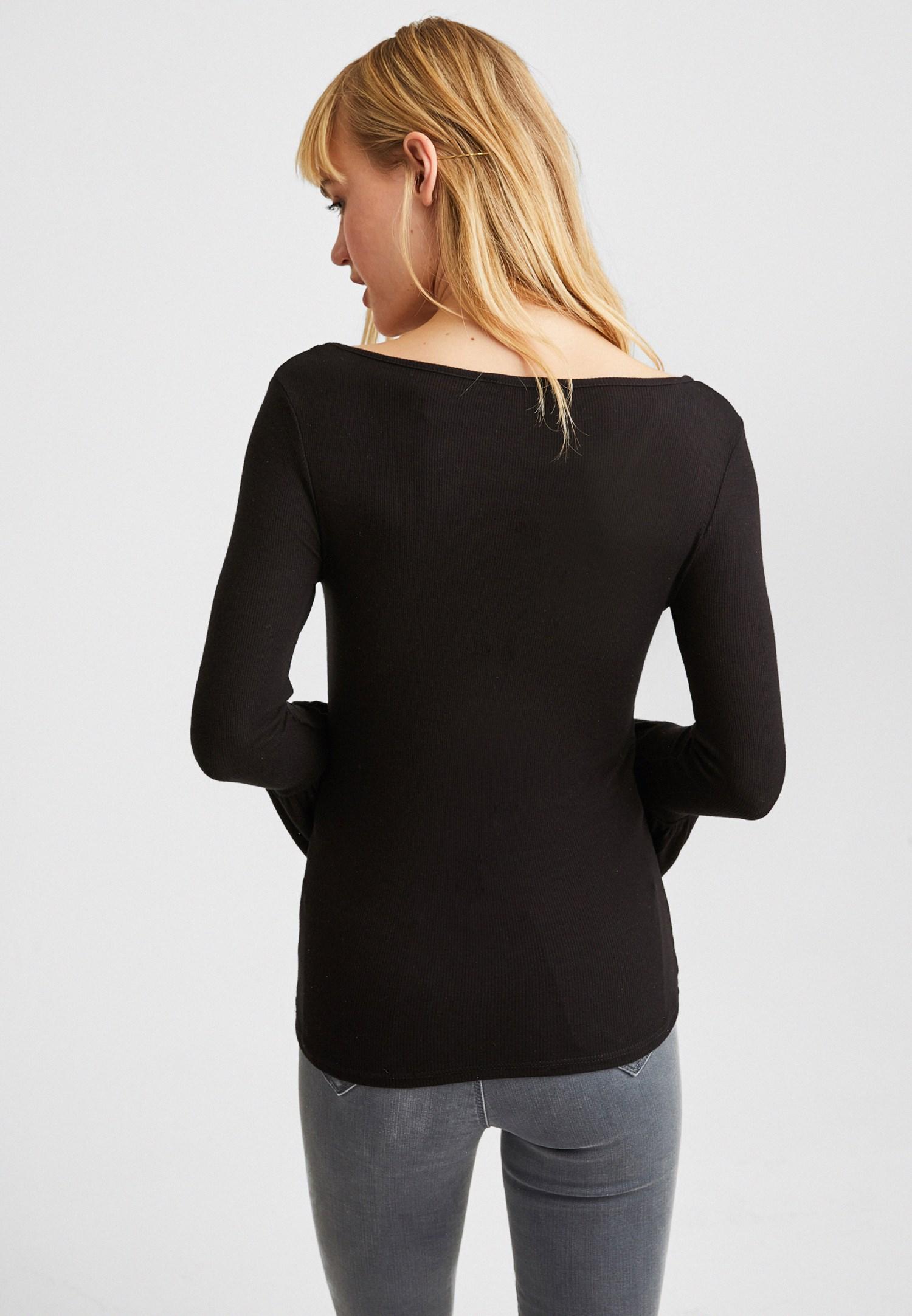Bayan Siyah Flare Kollu V Yaka Tişört