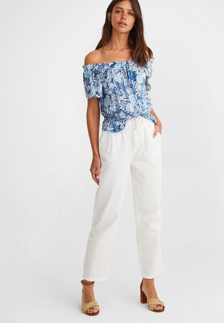 Beyaz Düğme Ve Kemer Detaylı Pantolon