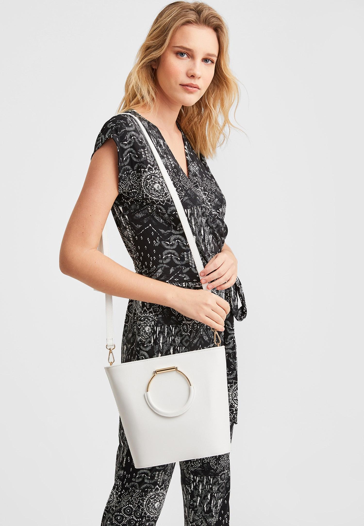 Bayan Beyaz Halka Tokalı Askılı Çanta
