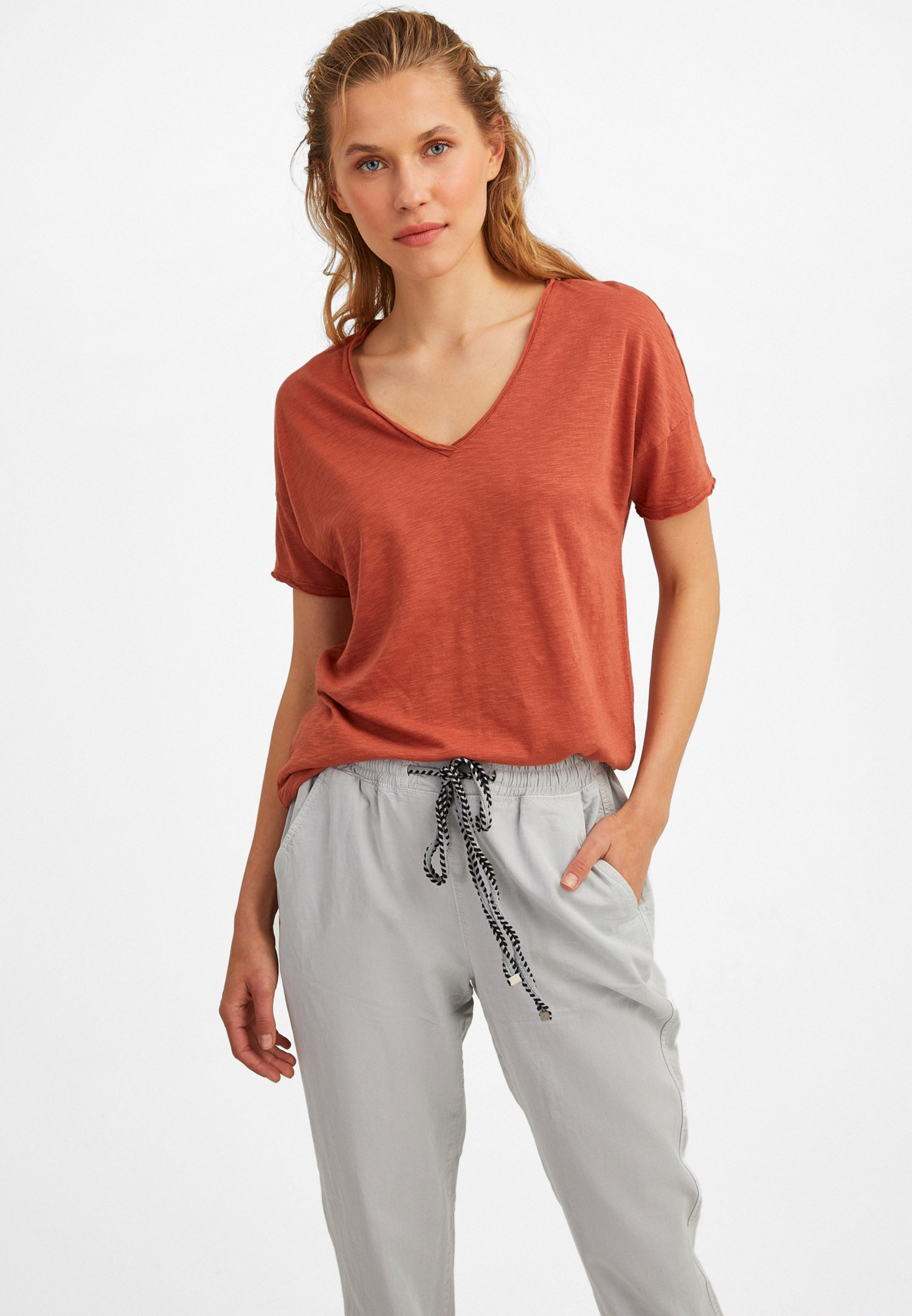 Bayan Kahverengi V Yaka Uzun Tişört