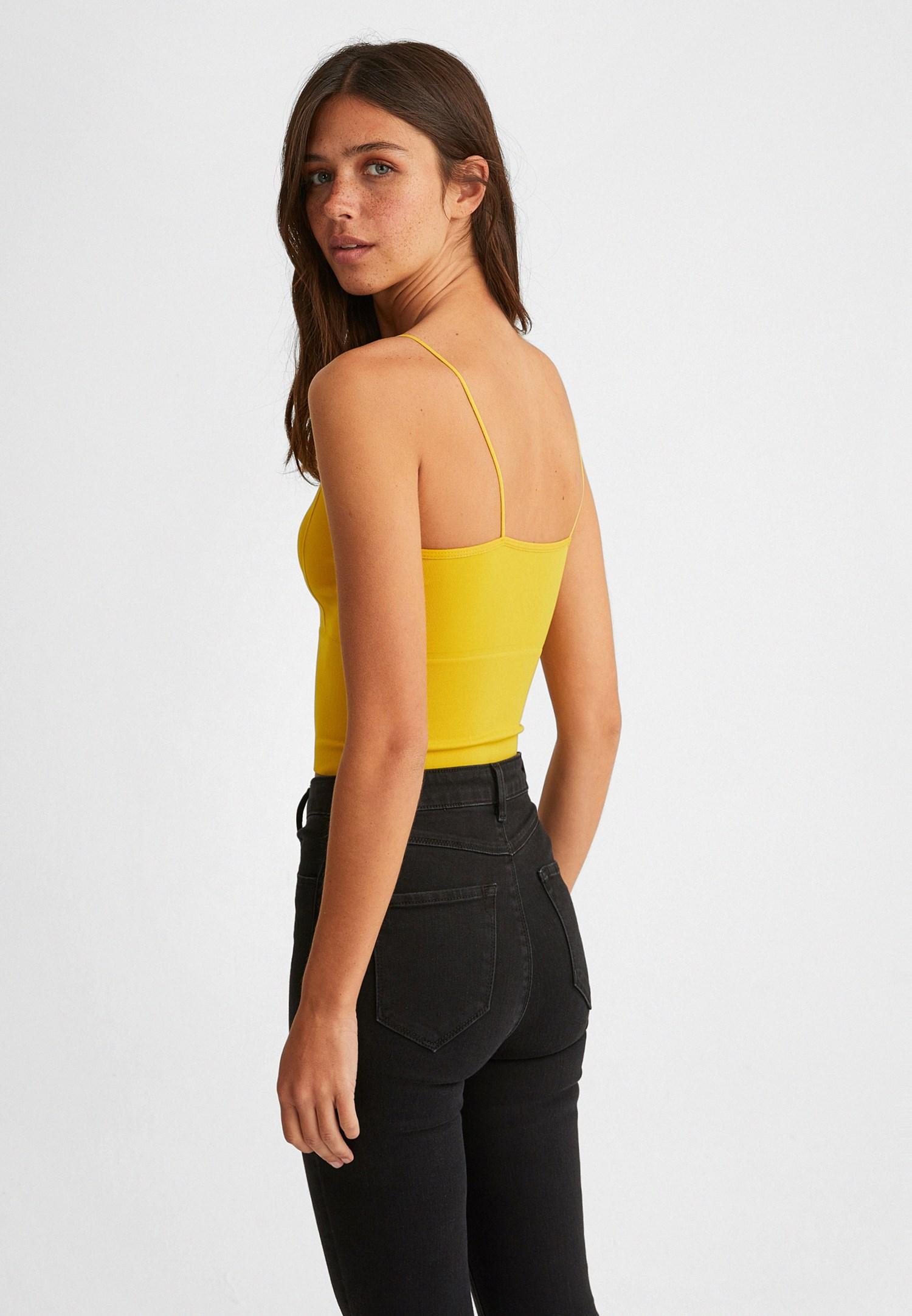 Bayan Sarı Dikişsiz İnce Askılı Crop Top