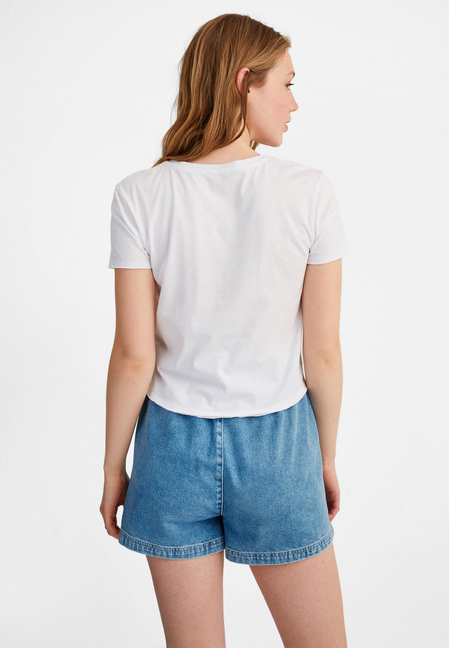 Bayan Beyaz Sıfır Yaka Baskılı Tişört