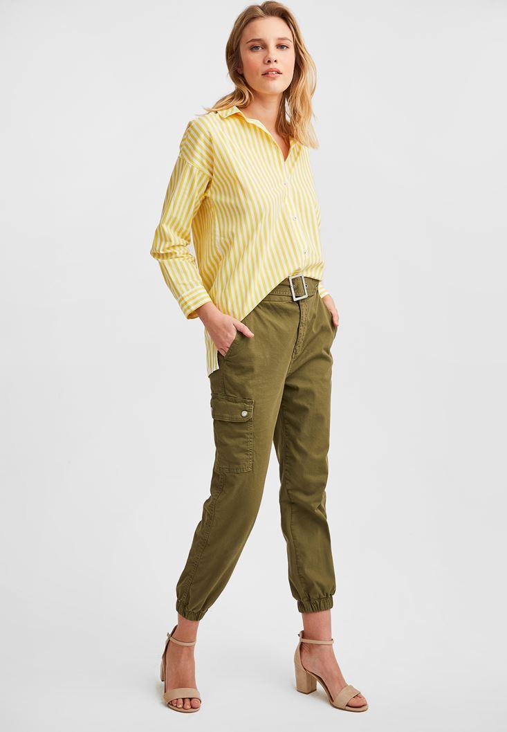 Çizgili Gömlek ve Kargo Pantolon Kombini