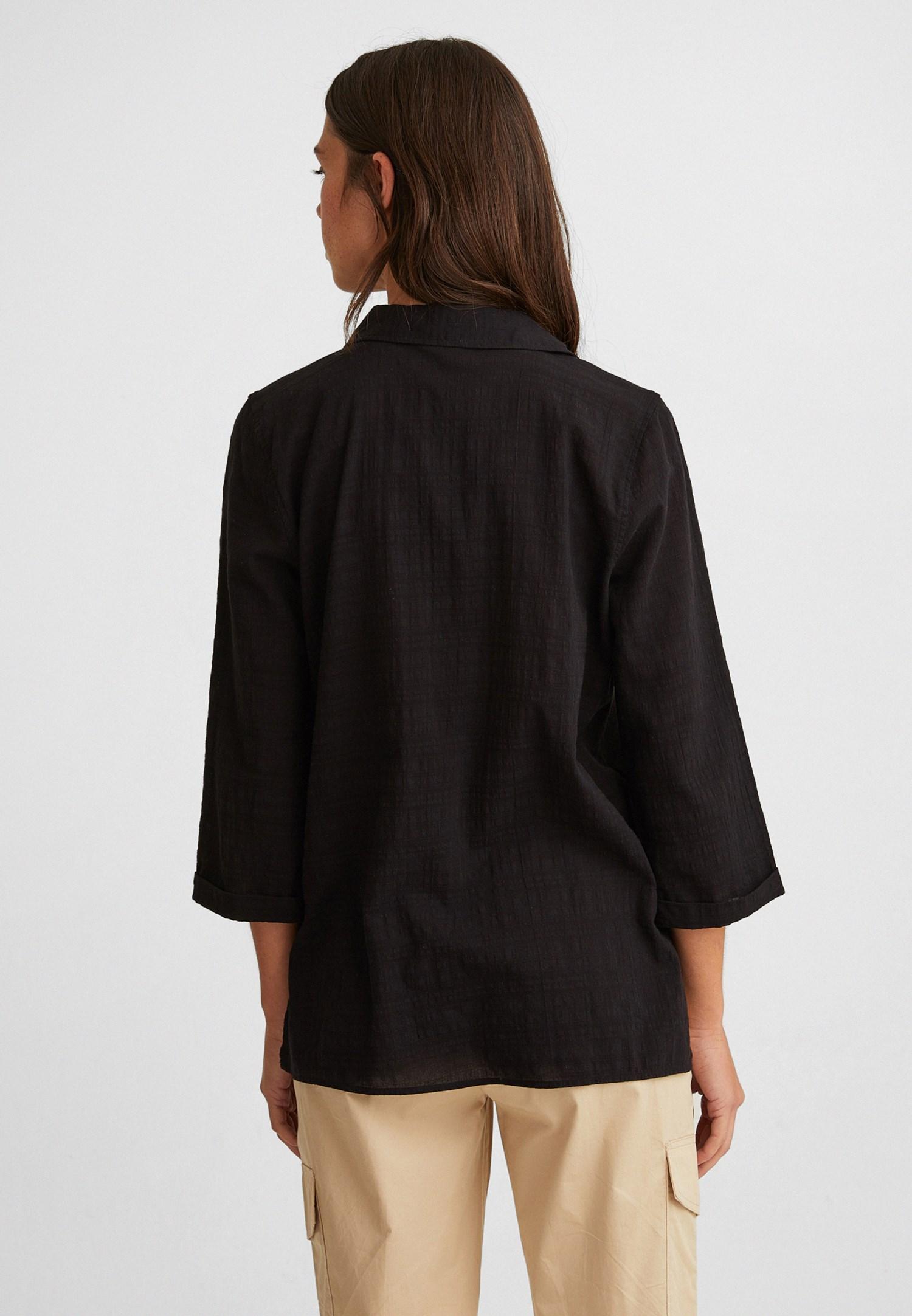 Bayan Siyah Arkası Uzun Dokulu Gömlek