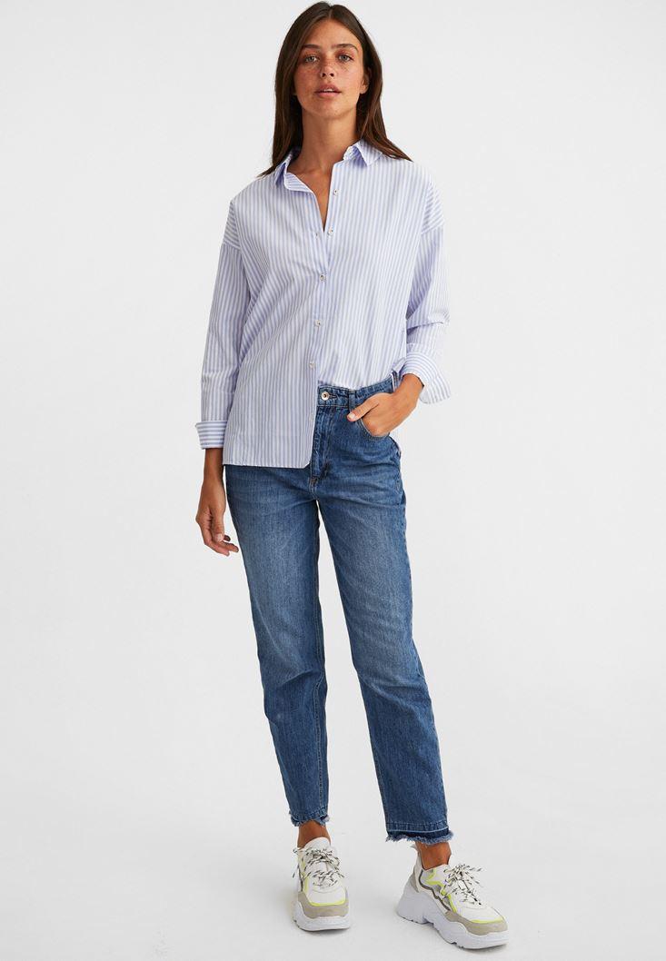 Çizgili Gömlek ve Mom Jeans Kombini