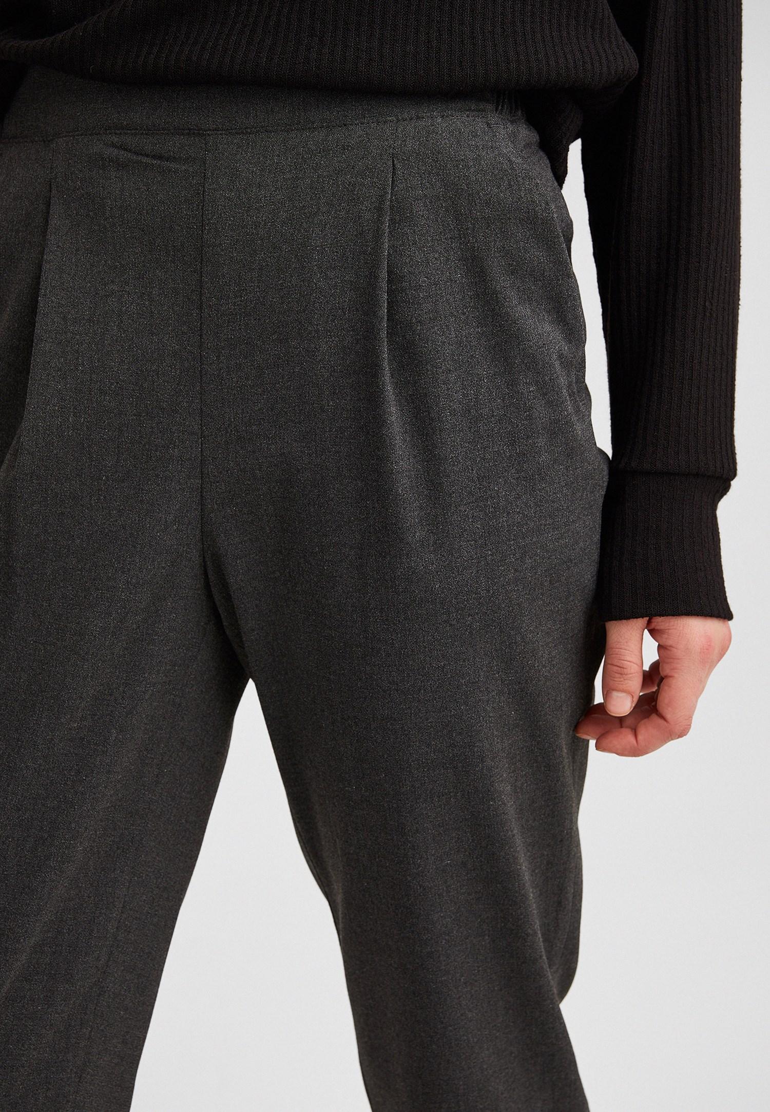 Bayan Gri Beli Lastikli Pileli Pantolon