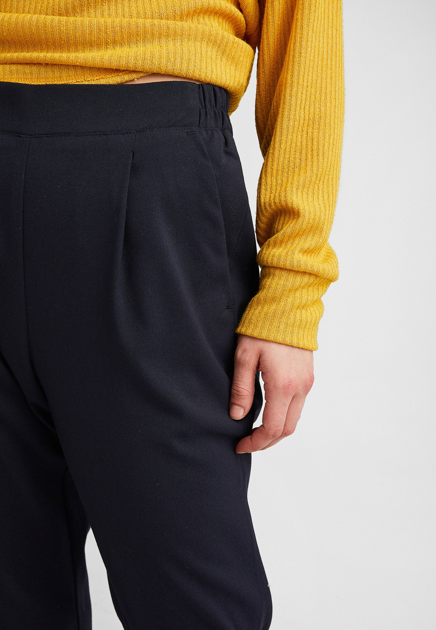 Bayan Lacivert Beli Lastikli Pileli Pantolon