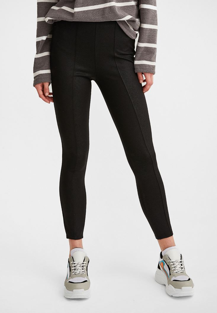 Black High-Waisted Jeggings