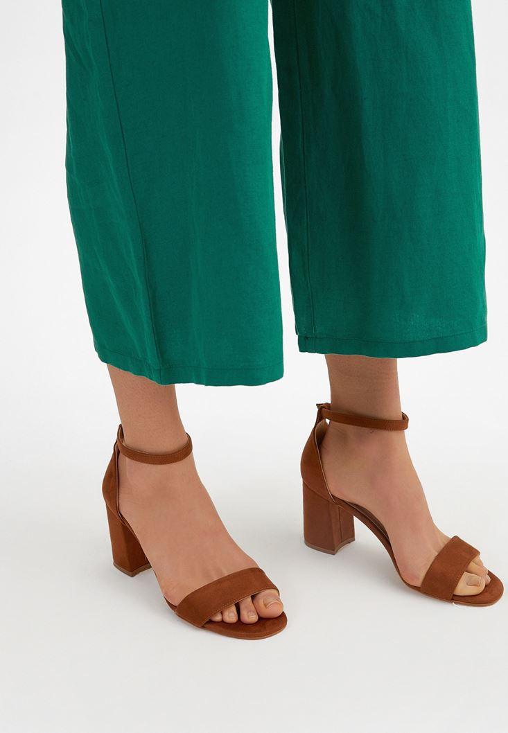 Kahverengi Tek Bantlı Topuklu Ayakkabı