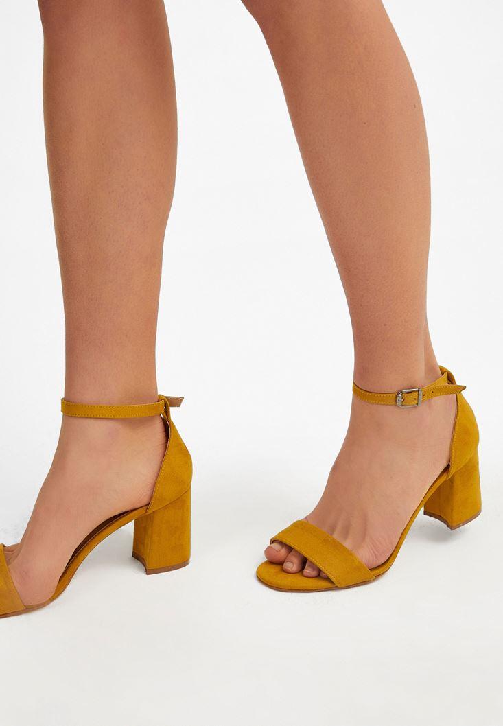 Sarı Tek Bantlı Topuklu Ayakkabı