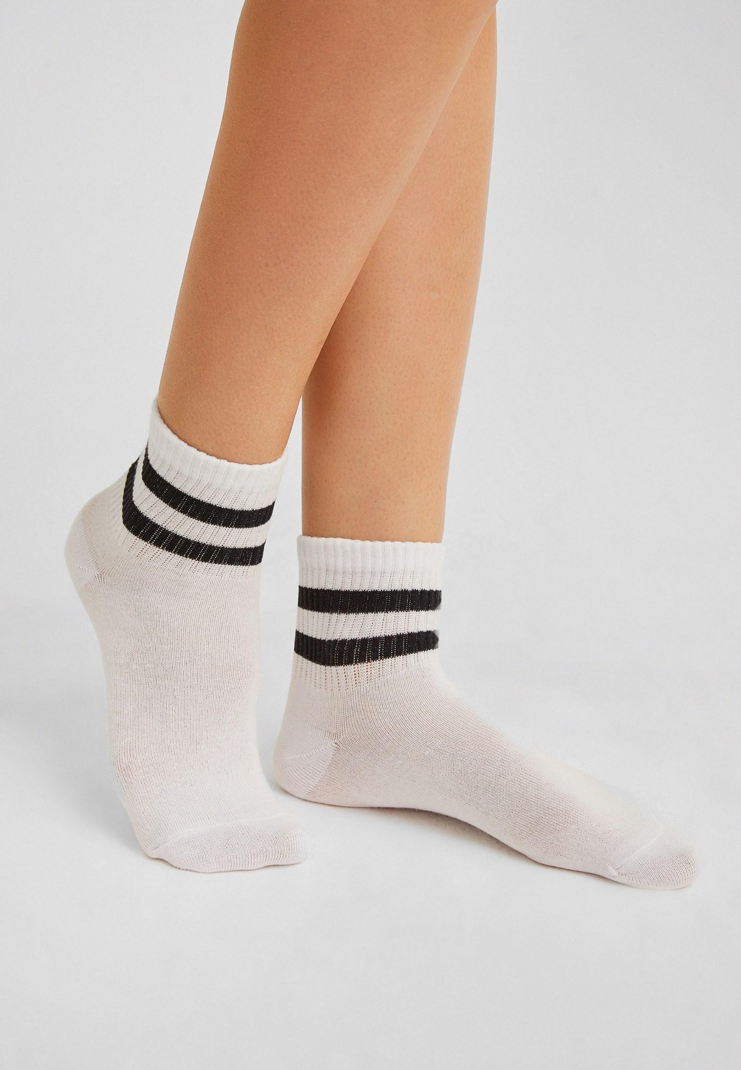 Bayan Siyah Çizgili Çorap