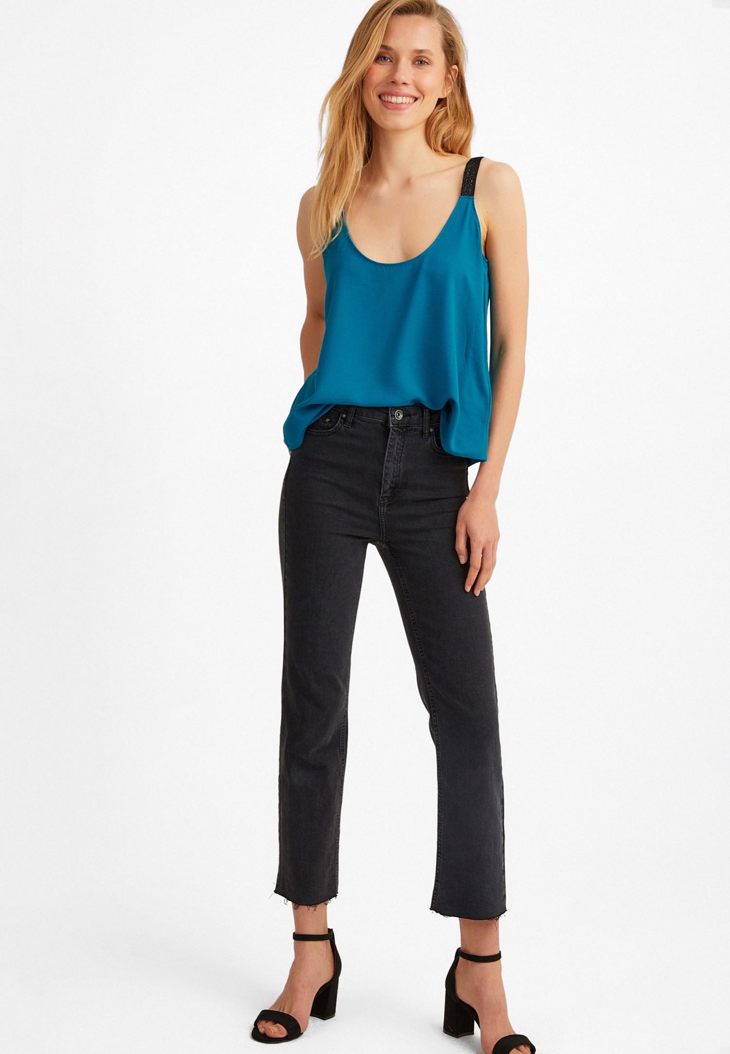 Bayan Mavi U Yaka Askılı Bluz
