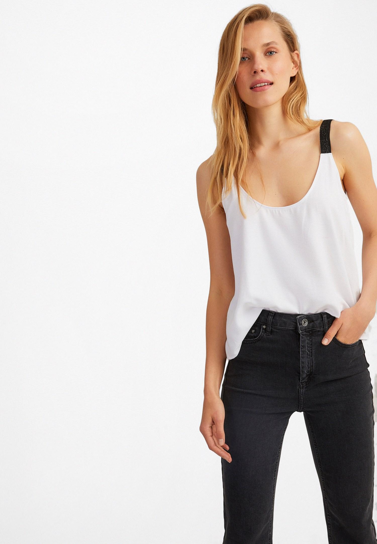 Bayan Beyaz U Yaka Askılı Bluz