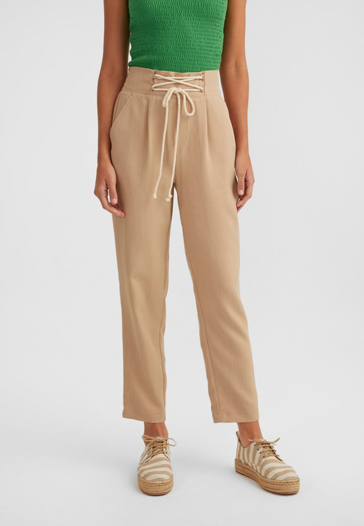 Krem Pile Detaylı Bağcıklı Pantolon