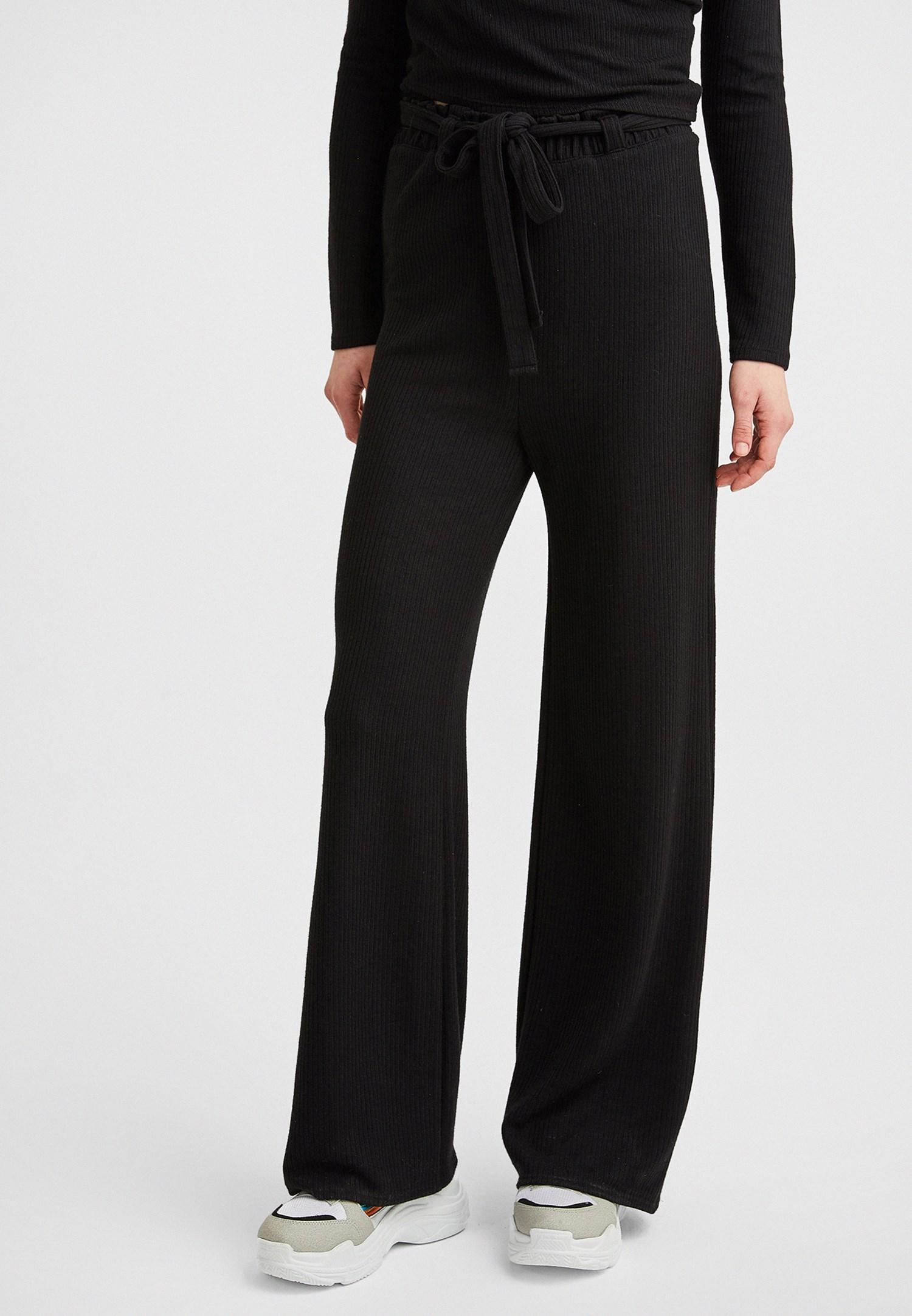 Bayan Siyah Beli Bağlama Detaylı Bol Pantolon