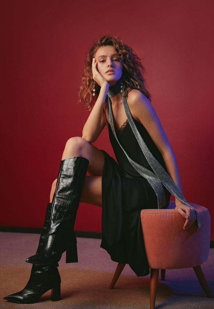 Black Lace Detailed Midi Dress