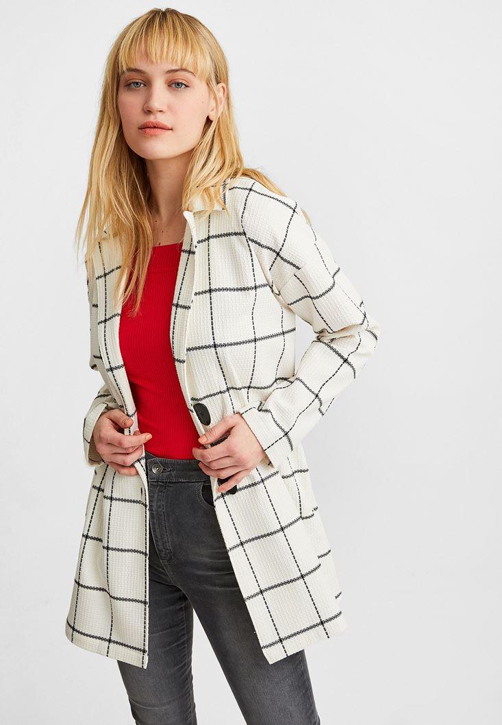 Siyah Düğme Detaylı Ceket