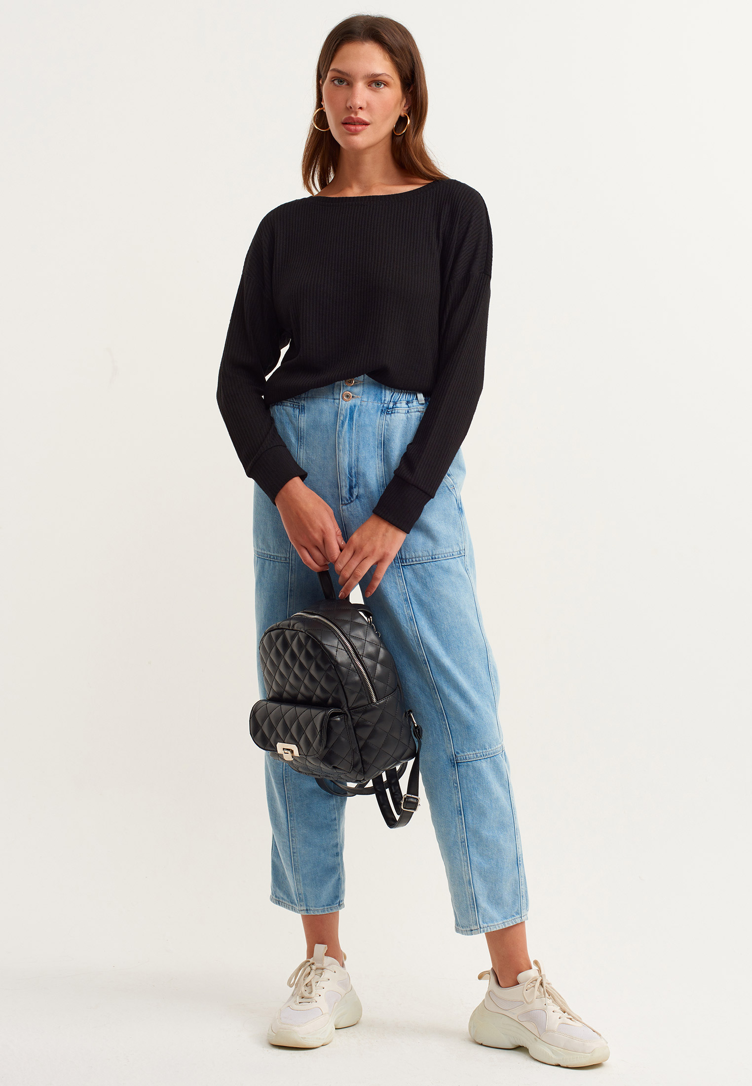 Bayan Siyah Bot Yaka Uzun Kollu Basic