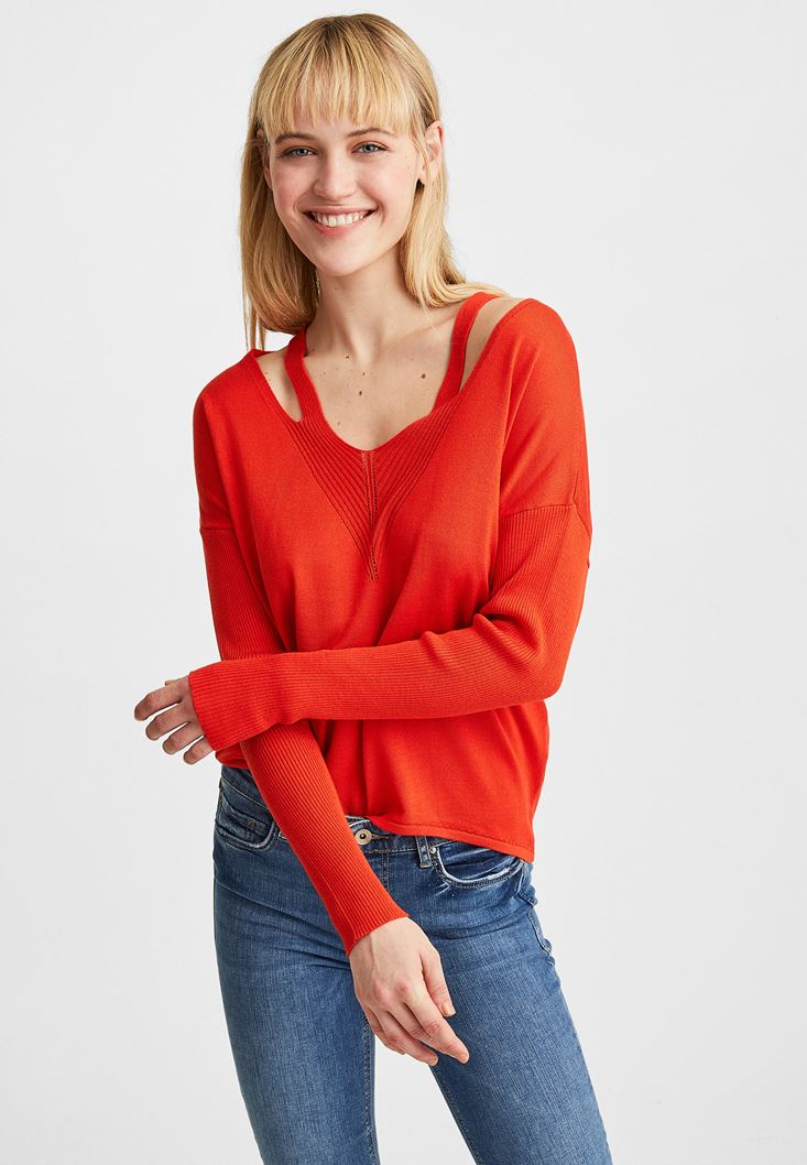 Red V-Neck Cut Out Detailed Pullover