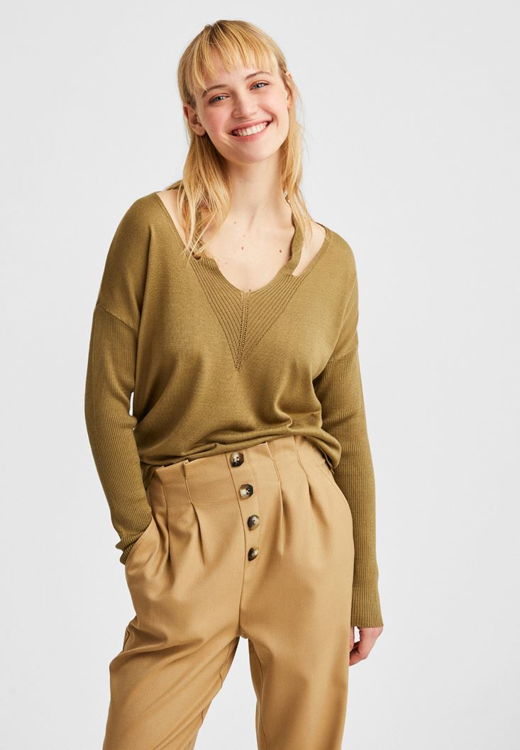 Green V-Neck Cut Out Detailed Pullover