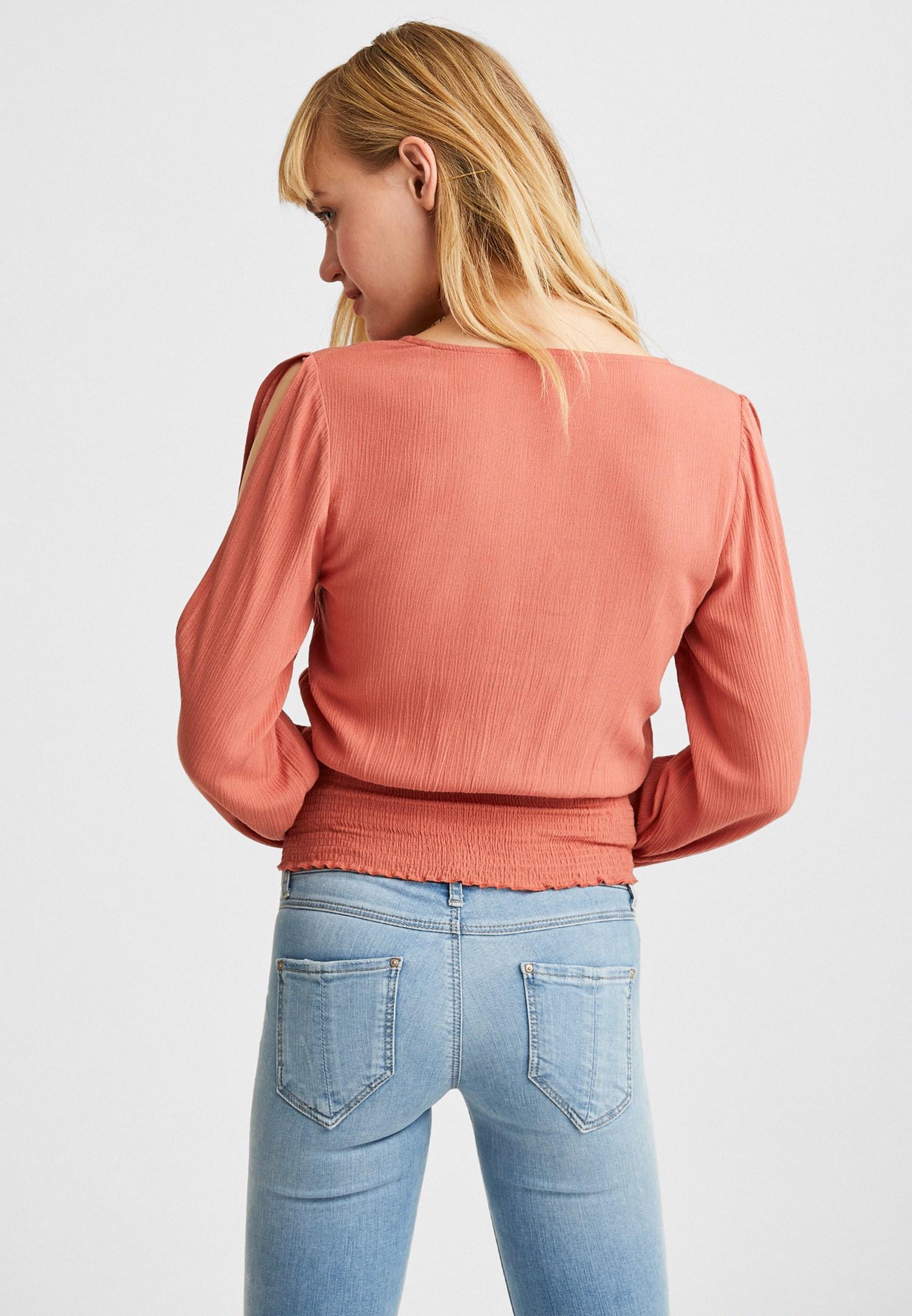 Bayan Kahverengi Kol Detaylı Beli Lastikli Bluz