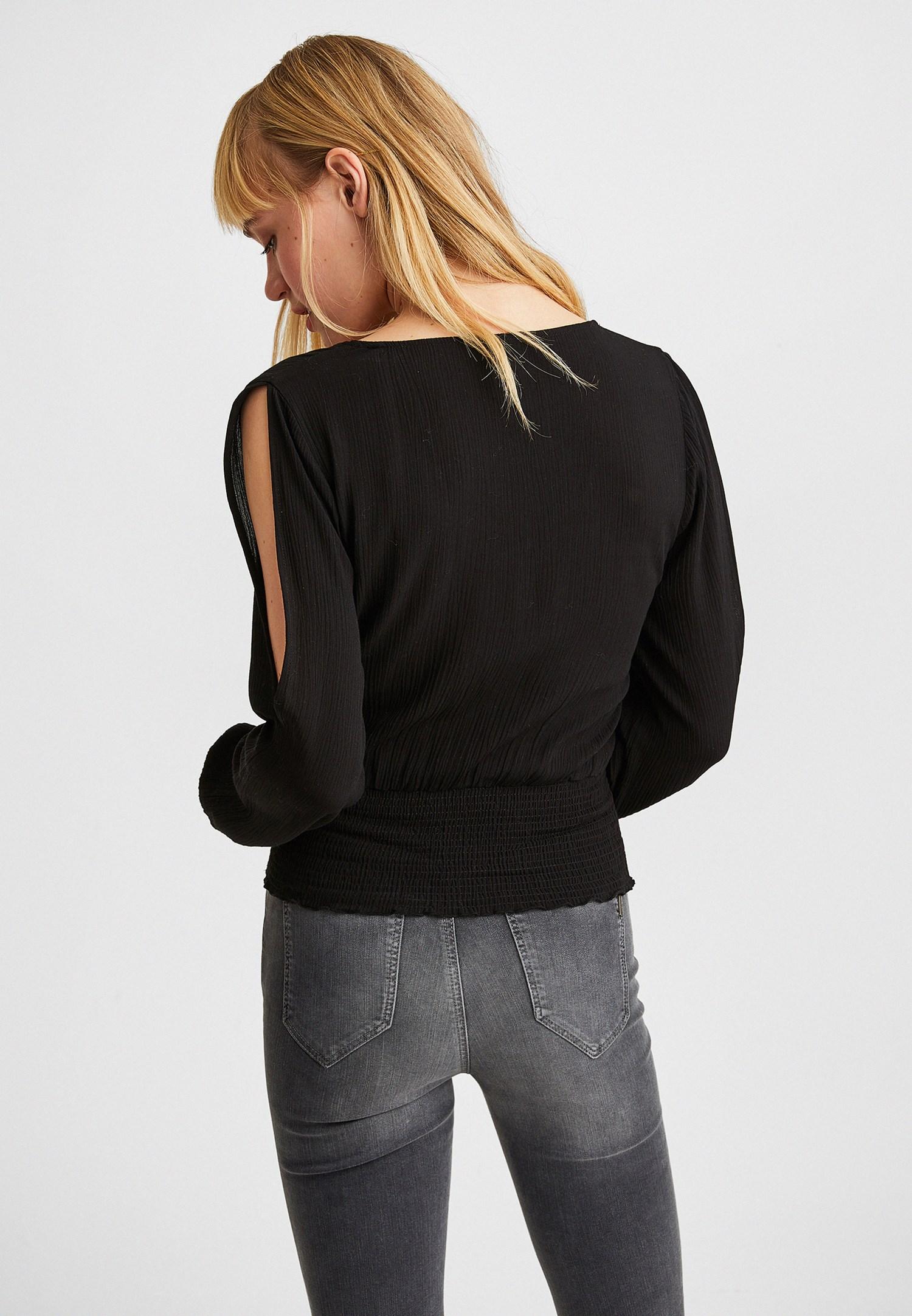 Bayan Siyah Kol Detaylı Beli Lastikli Bluz