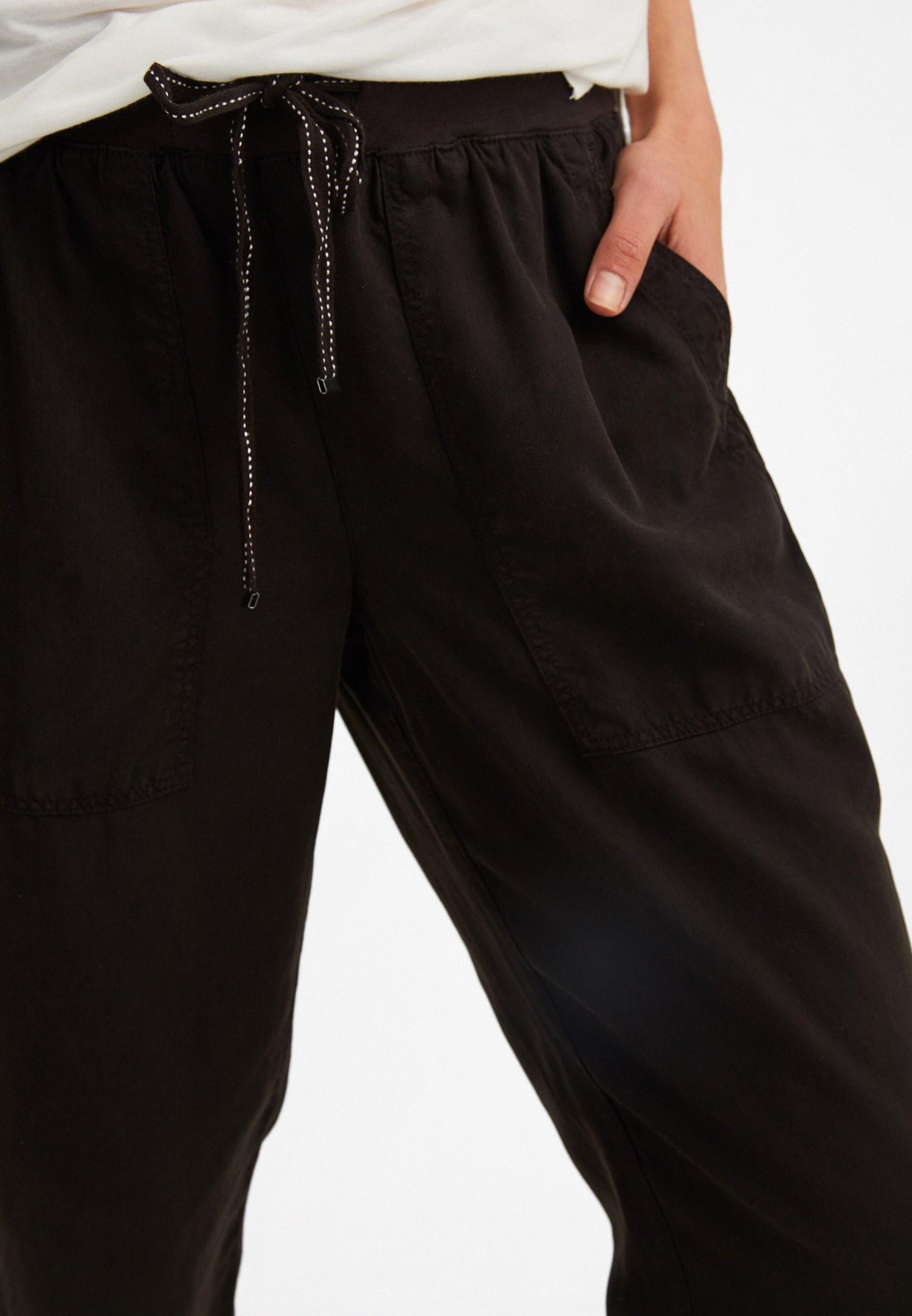 Bayan Siyah Beli Lastik Detaylı Jogger Pantolon
