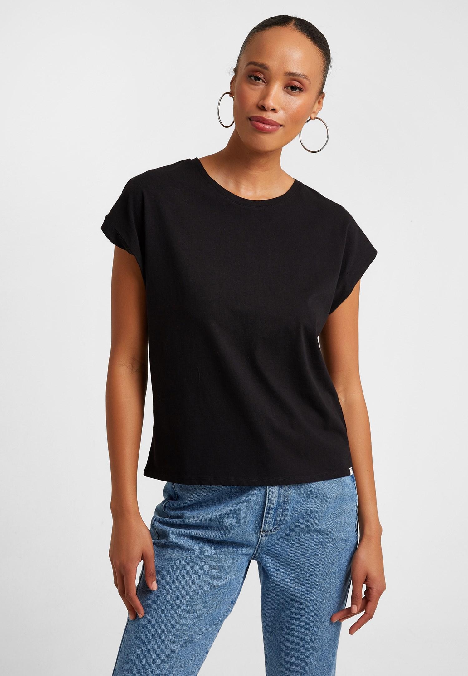 Bayan Siyah Sıfır Yaka Tişört